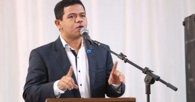 """""""A eleição acabou, o trabalho continua"""", afirma Luciano Leitoa"""